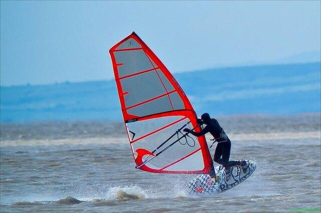 windsurfing-71023_640